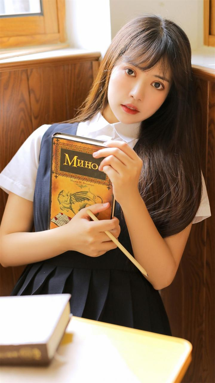 亚洲日本校花学霸美少女蓝色校服校园清纯写真(1/9) 美女图片 第1张