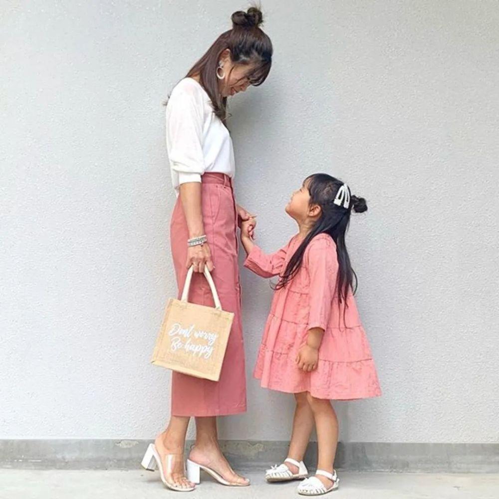 亲子装这么穿!日本妈妈只用优衣库、GU、H&M也能搭出时尚感 穿搭技巧 第3张