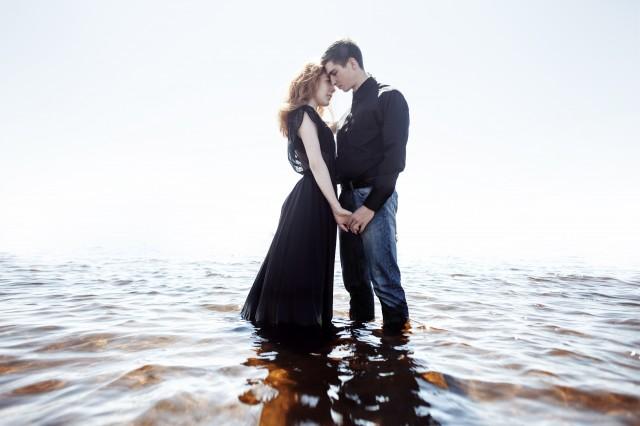 男人爱上女人的表现这些细节早已说明了真相 情感语录 第1张