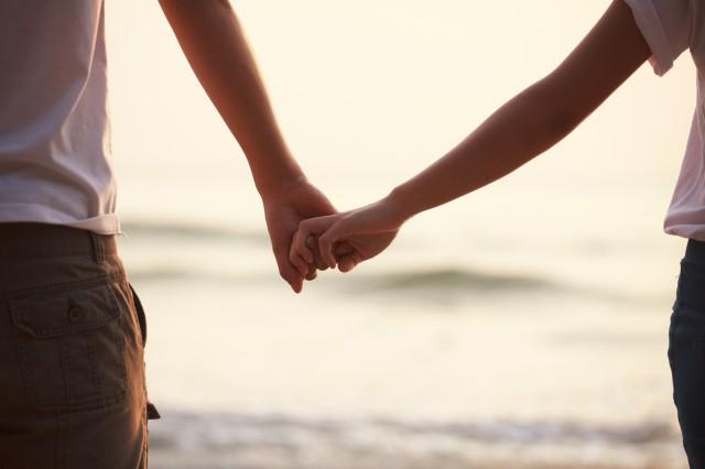 对待爱情不主动效果有时候反而更好 情感语录 第1张