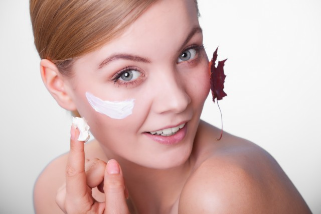 秋冬季节脸干起皮怎么办防止干燥小妙招 美容健康 第1张