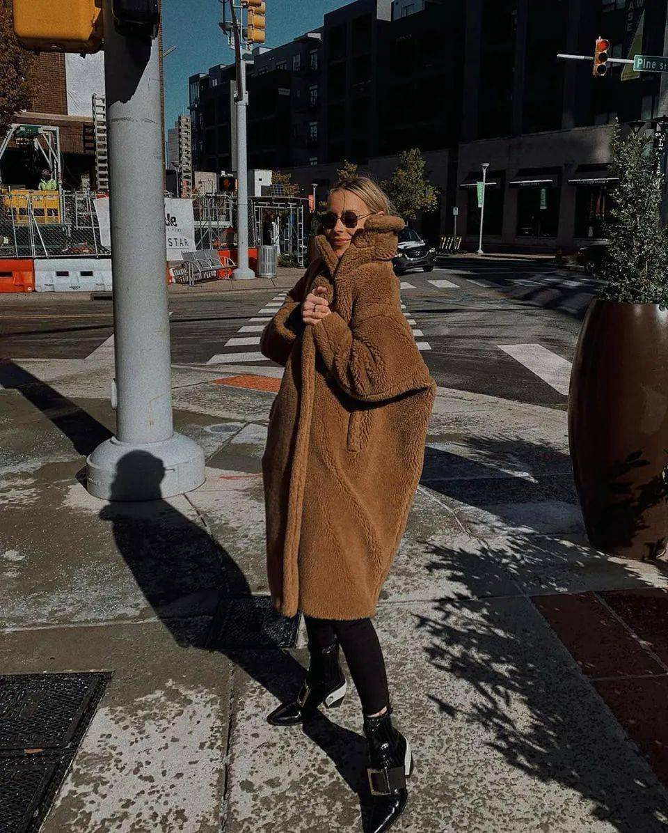 """冬季穿""""泰迪熊""""大衣既软又暖 穿搭技巧 第7张"""