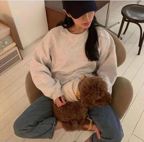 约会必备:韩国女孩的软妹风毛衣 穿搭技巧 第13张