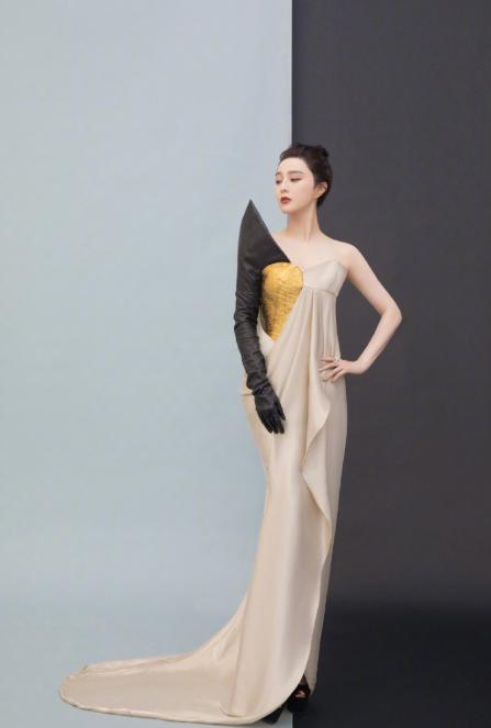 范冰冰大胆挑战紫色开叉裙,霸气模样却不存在 明星搭配 第1张