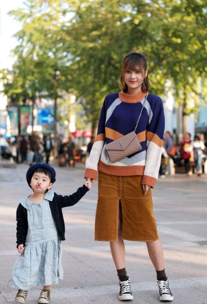 国内街拍:如何给穿搭做减法?叠穿只会变臃肿,换个思路变更美 街拍潮人 第8张