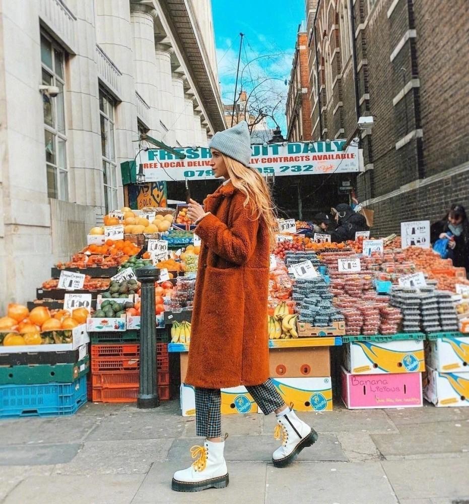 欧美街拍:马丁靴最佳示范穿搭来了,INS上的时尚大咖都爱不释手 街拍潮人 第1张