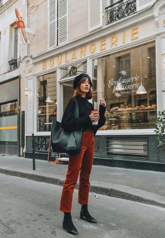 欧美街拍:马丁靴最佳示范穿搭来了,INS上的时尚大咖都爱不释手 街拍潮人 第3张