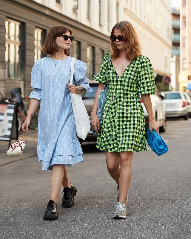 """欧美街拍:今夏自带可爱滤镜的""""蓬袖洋装"""",欧美潮人已抢先穿上 街拍潮人 第2张"""